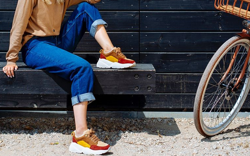 STREET-STYLE SNEAKERS FOR YOUR CLOSET