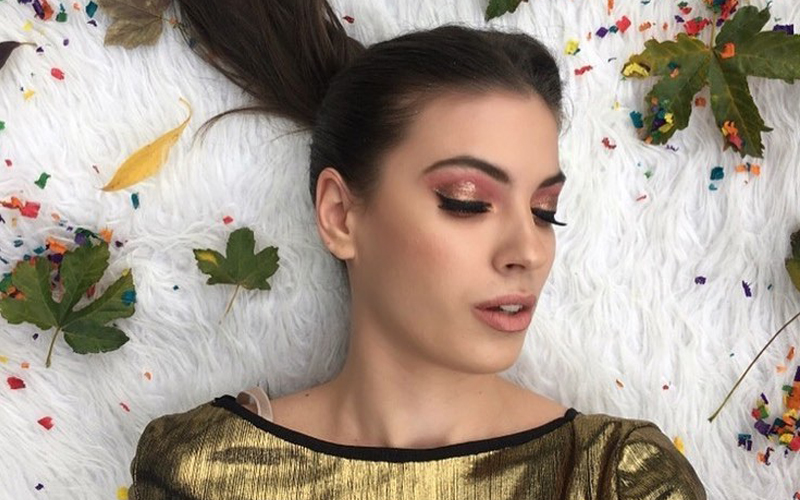 MISTAKES YOU MIGHT BE MAKING WHILE DOING MAKEUP