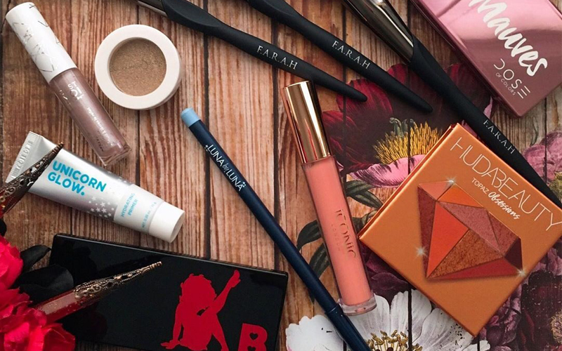 MUST HAVE MAKEUP PRODUCTS FOR EVERY BEGINNER
