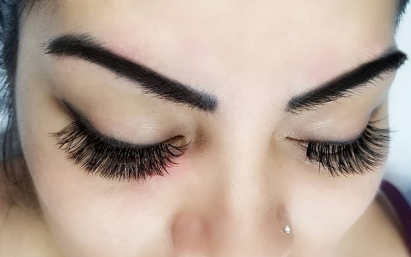 Tips to prevent your eyelash extensions from getting damaged