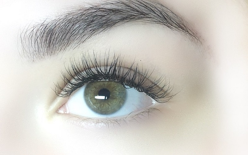 How To Make Your Eye Lashes Naturally Thick?