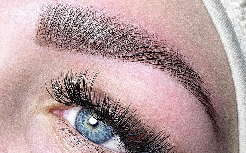 5 Easy Ways To Grow Thick Eyebrows