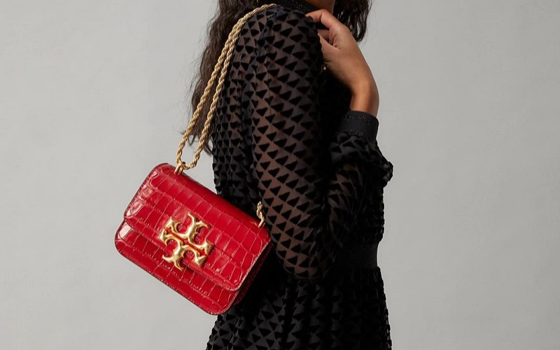 Steal The Holiday Season-Worthy Top Trending Bags