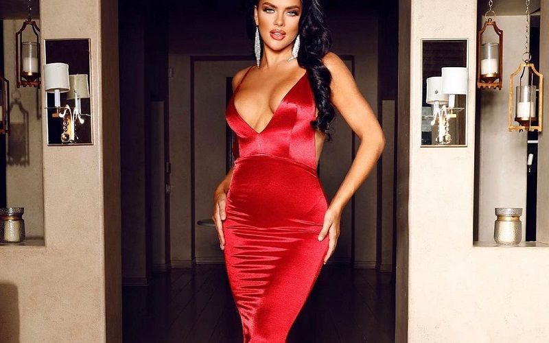 Prettiest Red Outfits To Wear During Christmas