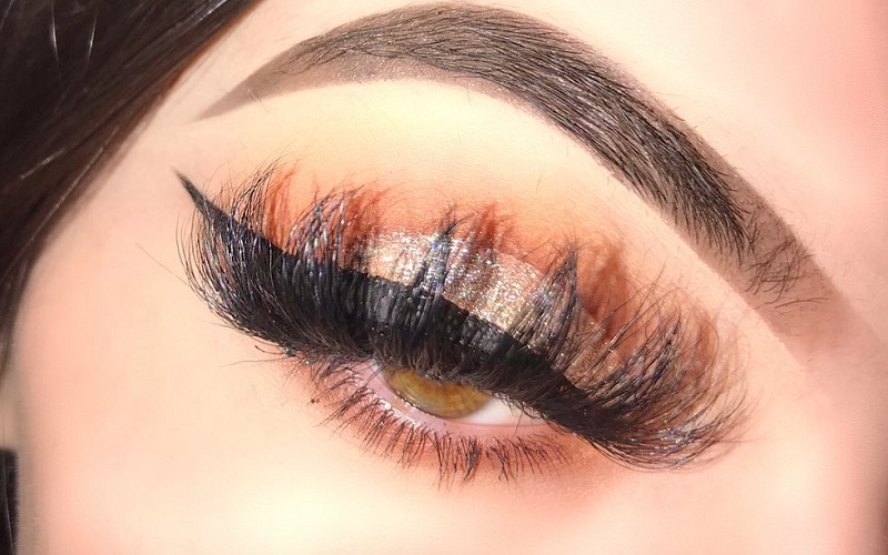 Eye makeup application tips and tricks every girl with shaky hands should know