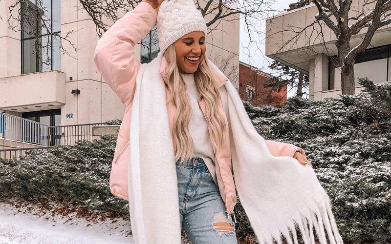 Steal The Trendiest Coziest Scarves For The Winter