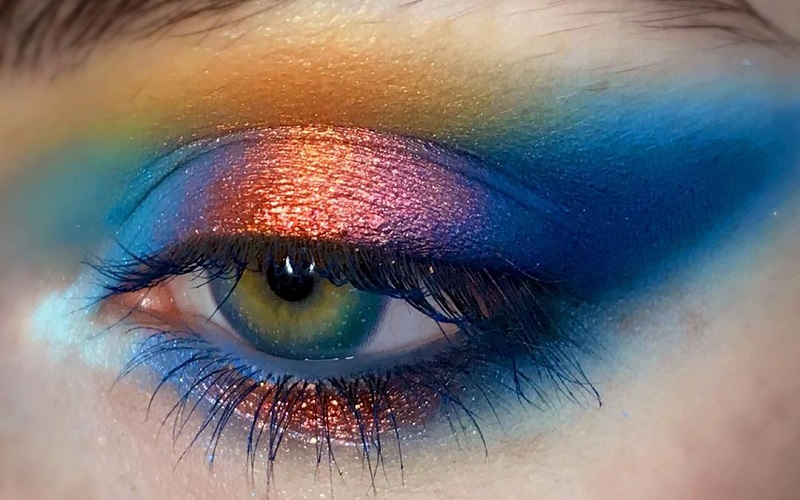Learn about different types of eyeshadows